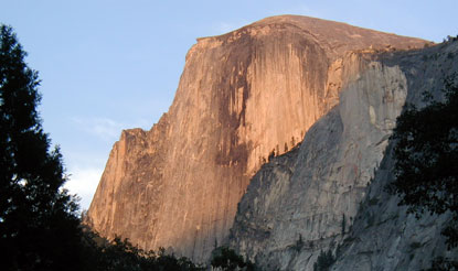 Halfdome-close-sunset